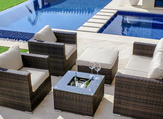 Garden Swimming Pool Furniture Ideas