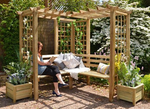 How to Create the Perfect Garden Escape